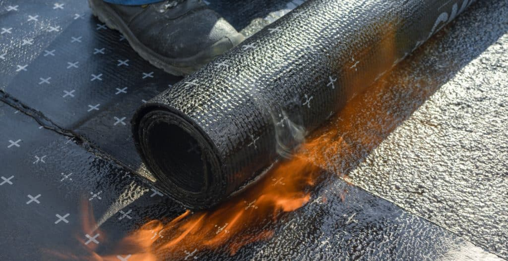 Heating and melting of bitumen rolls