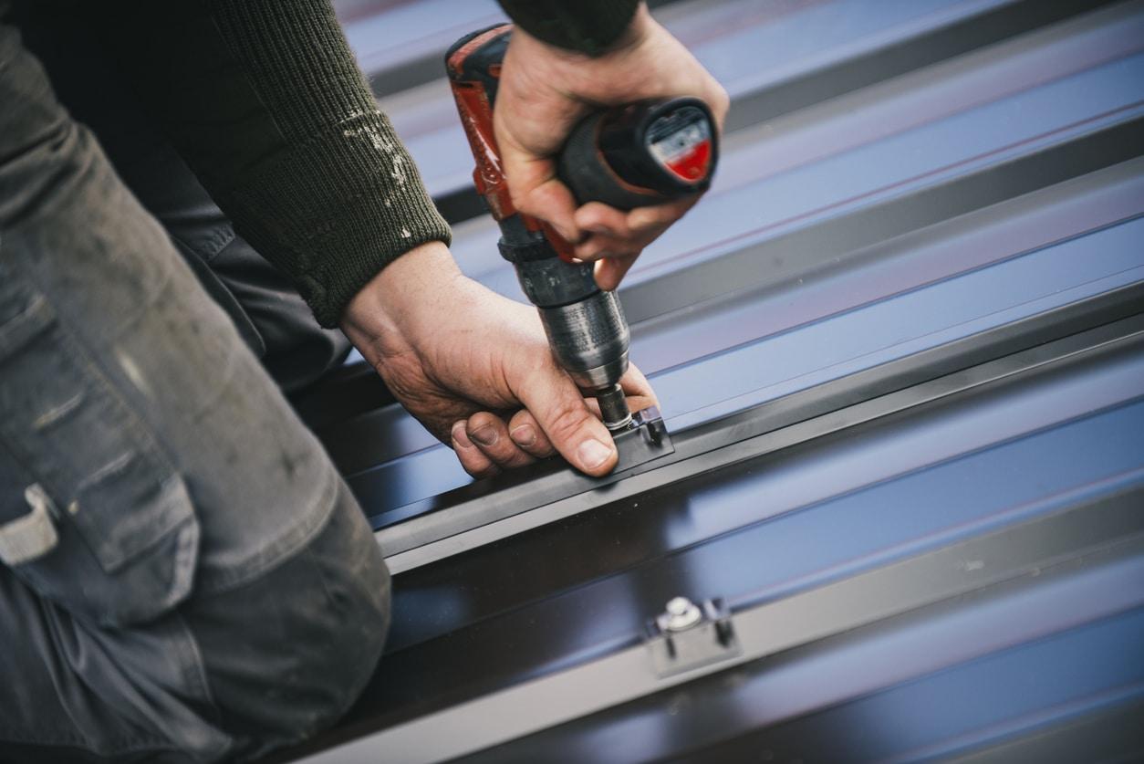 Metal vs Asphalt Roof: What's Better For You?